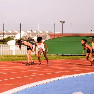 "Relais 4x100m TCF - Meeting de Colomiers 2015 • <a style=""font-size:0.8em;"" href=""http://www.flickr.com/photos/137596664@N05/24280492131/"" target=""_blank"">View on Flickr</a>"