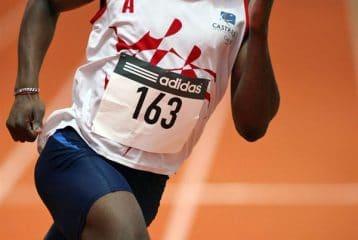 Martial Minyem sur 400m aux Championnats de France Jeunes en salle 2009 à Paris