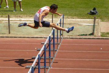 Gaetan Carpe sur 400m Haies à la finale Interclubs 2010 à Sesquières