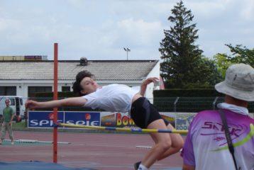 Shannon Izar au saut en hauteur aux championnats interrégionaux d'épreuves combinées 2010 à Albi