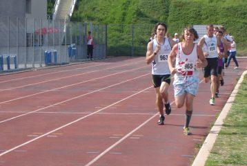 Damien Dubois sur 1500m aux régionaux d'épreuves combinées 2011 à Rodez