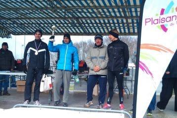 Kader Mamou sur le podium Vétéran des championnats Midi-Pyrénées de cross 2012 à Plaisance-du-Touch