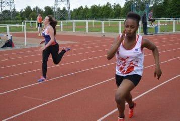 Hadja Daffé sur 200m au Meeting du SATUC 2015 à Toulouse