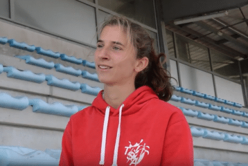 Julie LATGER en interview à Castres le 17 septembre avant son match hors-stade international 2016