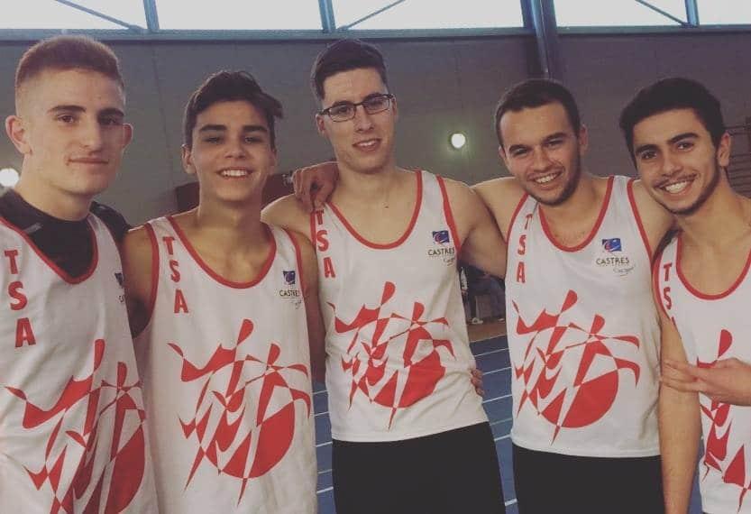 L'équipe des garçons avant le 60m au meeting indoor 2016 de Foix