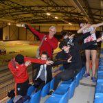 Les cadets-juniors du TSA sur un dab collectif aux championnats d'Occitanie en salle 2017 à Bompas