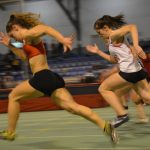 Sarah Teysseyre et Sophie Homps en finale du 60m aux championnats d'Occitanie cadets-juniors en salle 2017 à Bompas