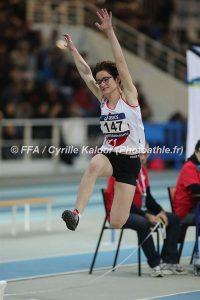 Fanny Mittou au saut en longueur lors des championnats de France Cadets-Juniors en salle 2017 à Nantes