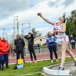 Ludivine Ruffel lance le poids au 1er tour des interclubs 2016 à Castres