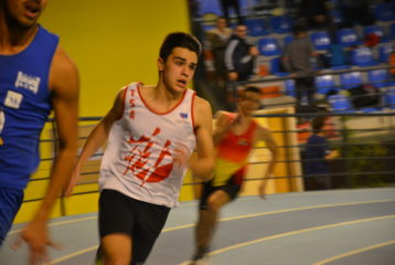 Anthony Velasco sur 200m lors du meeting indoor 2017 de Bompas