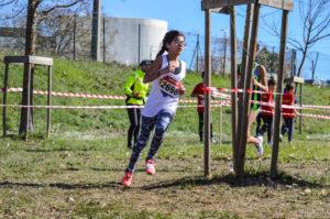 La benjamine Melyna Koneco sur la course intercomités des championnats d'Occitanie 2018 à Alès