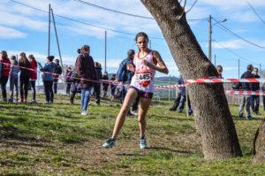 Toscane Durand sur la course des minimes filles aux championnats d'Occitanie de cross 2018 à Alès