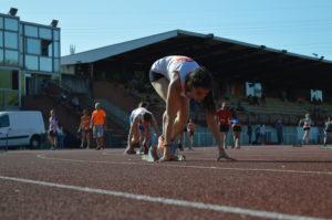 Ilona Papin à l'échauffement du du 400m au Meeting du SATUC 2018 à Toulouse