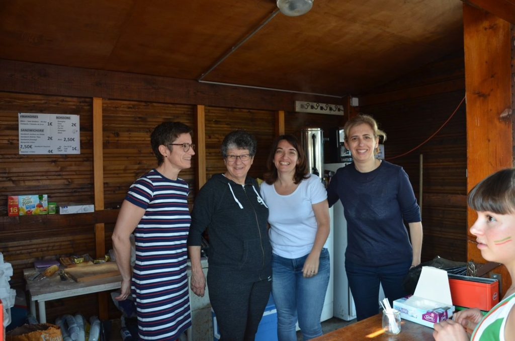 Les reines de la buvette à la finale interclubs 2018 à Castres