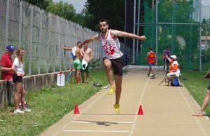 Jean Monnier au triple saut lors de la finale interclubs 2018 à Castres