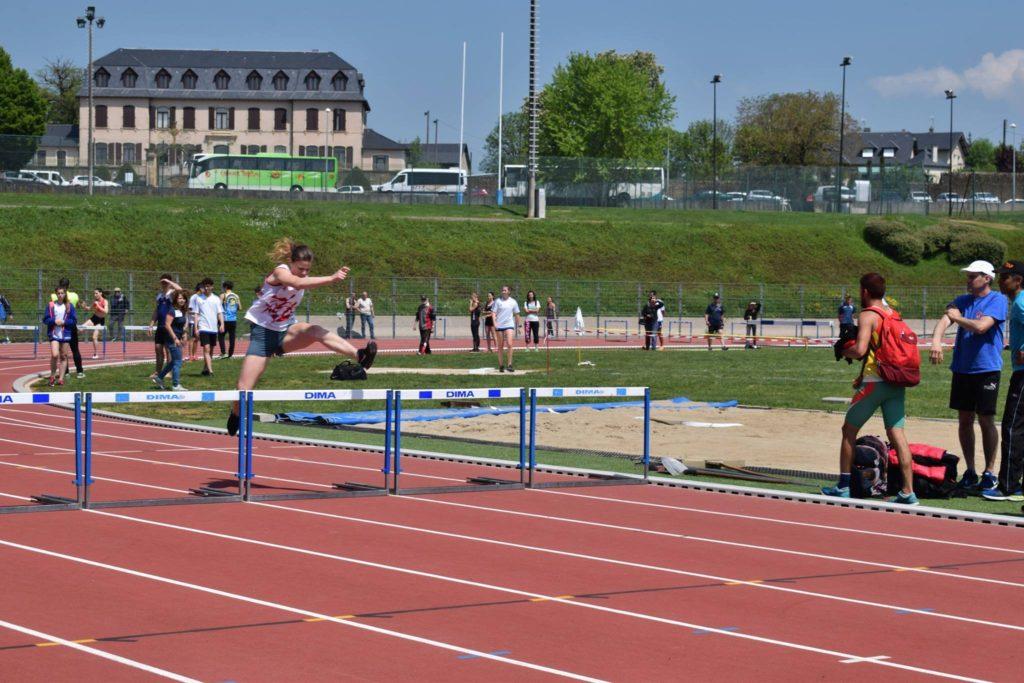 Notre lanceuse Ludivine Ruffel sur 400m haies au 1er tour des interclubs 2018 à Rodez