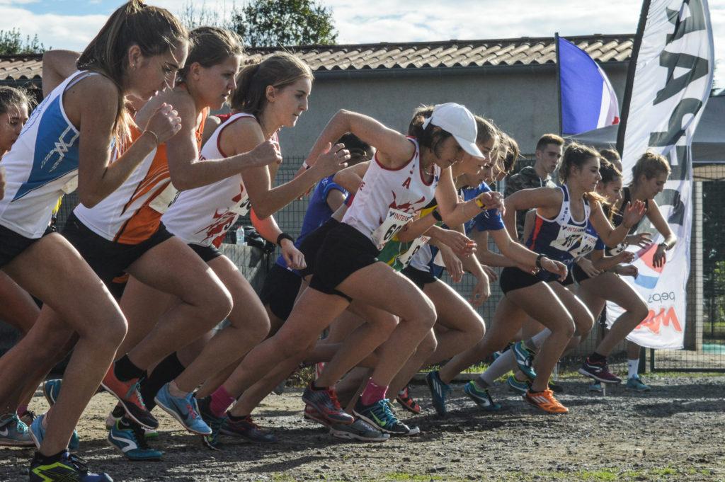 Départ de la course des As et juniors féminins au cross Jean Vidal 2018 à Lescure d'Albigeois