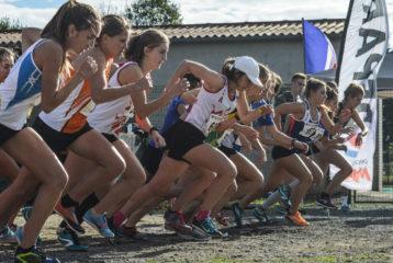 Départ de la course des As et juniors féminins au cross Jean Vidal 2018 à Lescure-d'Albigeois