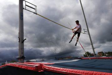 Alexis Solaux au saut à la perche lors du 1er tour des Pointes d'Or 2019 à Castres